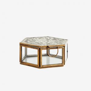 Boîte hexagonale sculptée