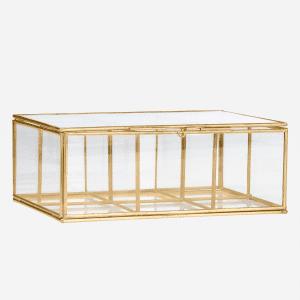 Boîte en verre avec case